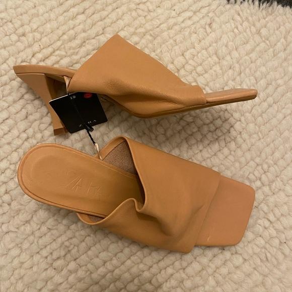 Zara leather Square toe sandals 38